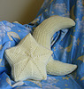 twinkle moon and star pillow free crochet pattern from crochetme