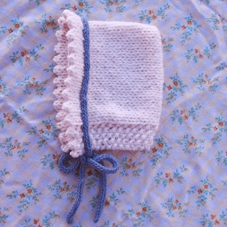 Darling Daisy Bonnet free baby knitting pattern