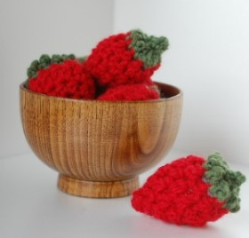 easy peasy strawberries free crochet pattern><p style=